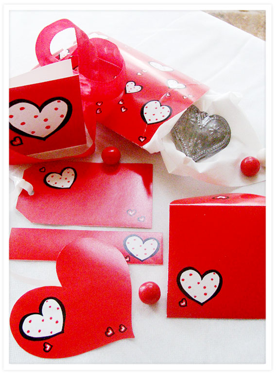Free-Printables-Valentine-Dotty-Hearts-red